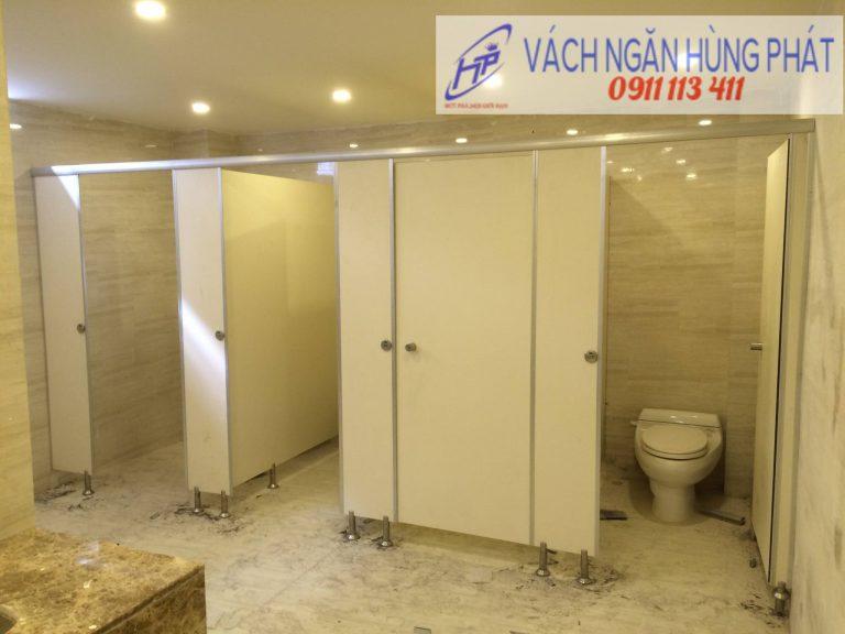 Vách ngăn vệ sinh - Cung cấp tấm và phụ kiện inox